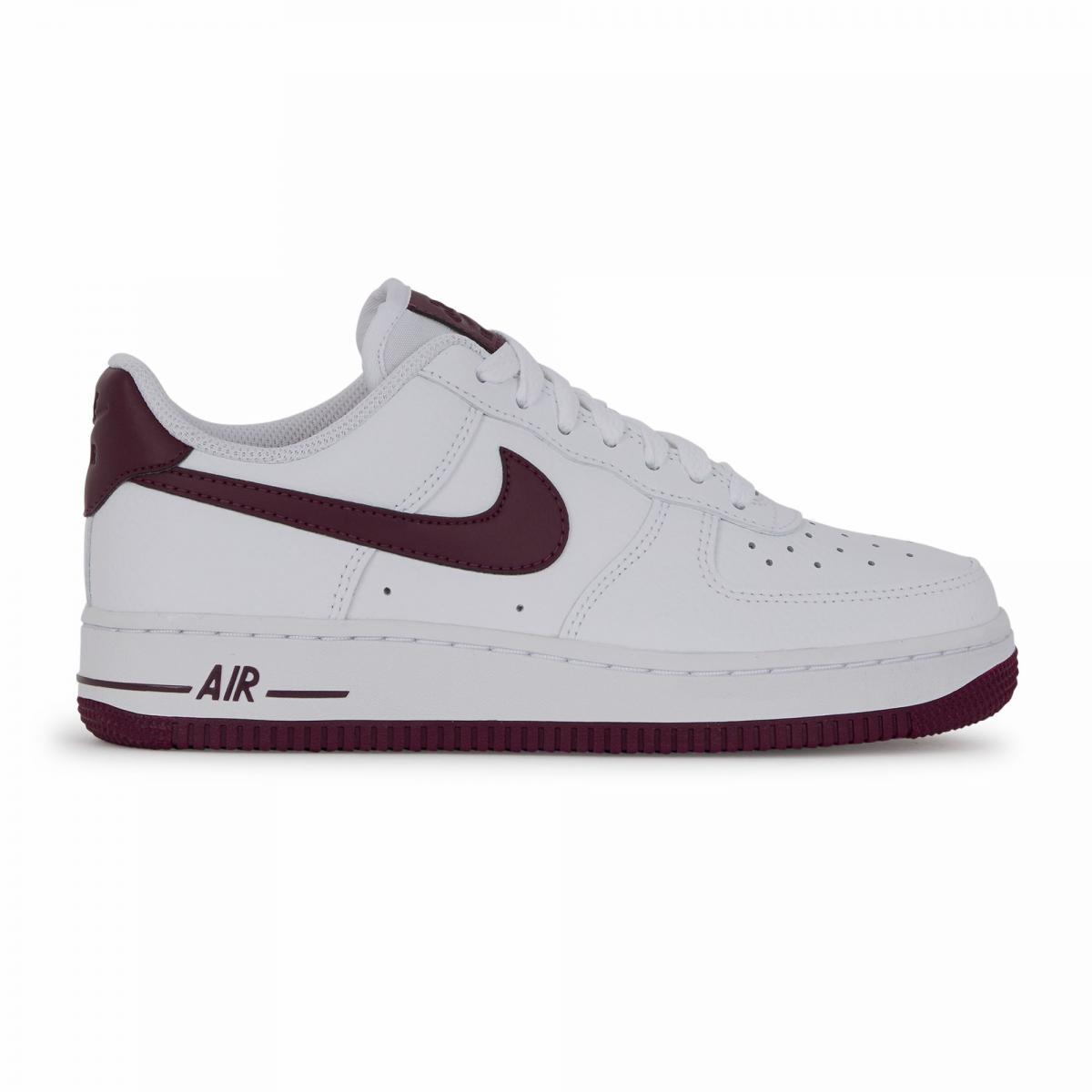 chaussure nike air force 1 noir et blanc femme