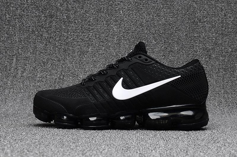 air vapormax ultra femme noir et blanche,Nike Chaussure
